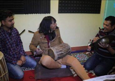 राजेन्द्र खड्गीको लु' केको पाटो : यति मिठो बाजा बजाउँछन् र गा'उँछन् पनि (भिडि'यो कथा)